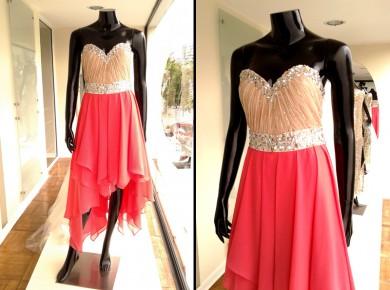 Vestido Asimétrico Strapless - La Boutique de la Mariée